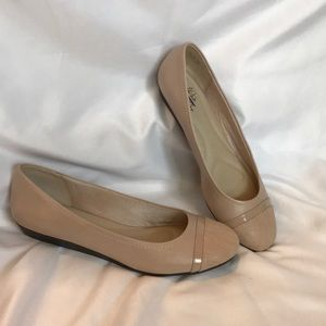 Never worn nude flats